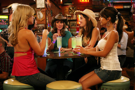 Robin with the Woo Girls on How I Met Your Mother