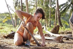 I do like a girl who can handle a machete...